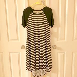 Lularoe Carly dress NWT small